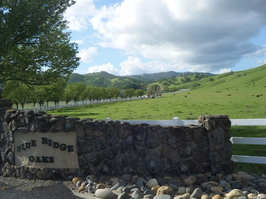 3523 Blue Mountain Drive, Fairfield, CA - USA (photo 2)