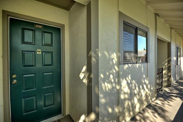 1098 North Abbott Avenue, Milpitas, CA - USA (photo 3)