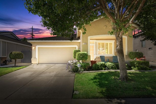 3120 West Sondiesa Court, Elk Grove, CA - USA (photo 1)