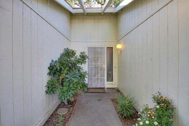 2430 Stokewood Way, Rancho Cordova, CA - USA (photo 3)