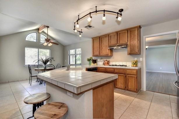 1330 Kingswood Drive, Roseville, CA - USA (photo 4)