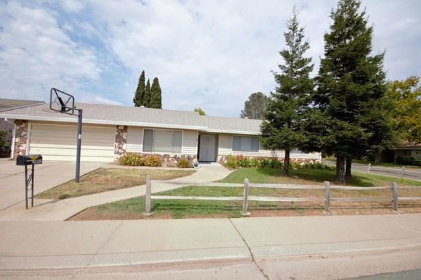 8937 Rosslare Court, Elk Grove, CA - USA (photo 2)