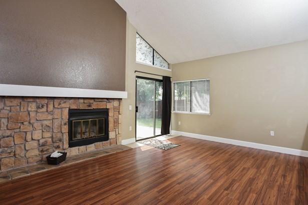 8332 Crestshire Circle, Orangevale, CA - USA (photo 2)