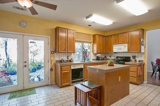 415 Robin Drive, Woodland, CA - USA (photo 4)