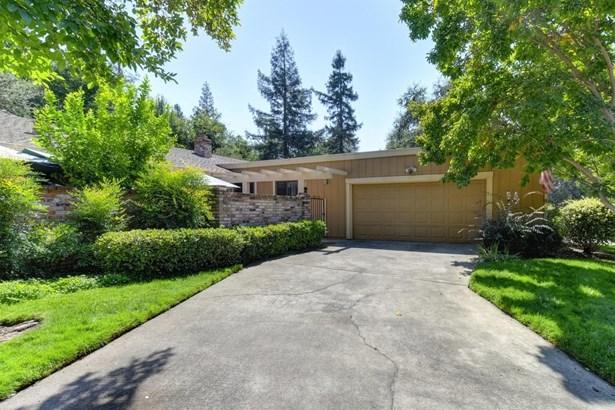 6472 Crosswoods Circle, Citrus Heights, CA - USA (photo 1)