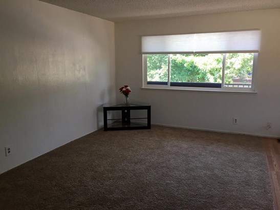 4512 Greenholme Drive 4, Sacramento, CA - USA (photo 2)