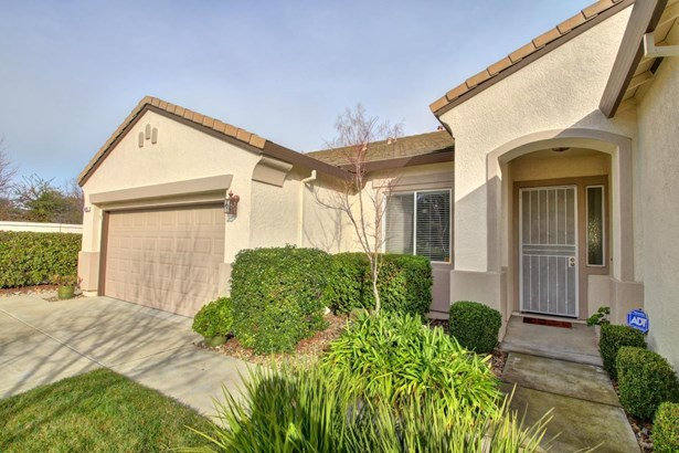 9608 Crystal Bay Lane, Elk Grove, CA - USA (photo 2)