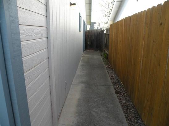 10470 Sierra Crest Drive, Rancho Cordova, CA - USA (photo 3)