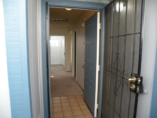 10470 Sierra Crest Drive, Rancho Cordova, CA - USA (photo 4)