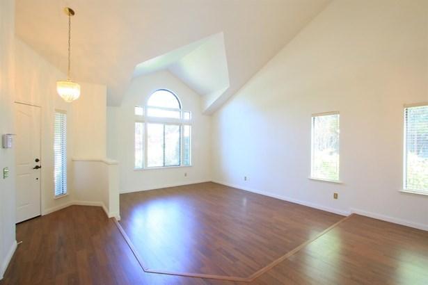 1307 Bellwood Court, Roseville, CA - USA (photo 4)