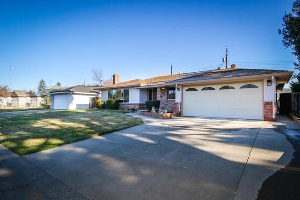 4270 Warren Avenue, Sacramento, CA - USA (photo 2)