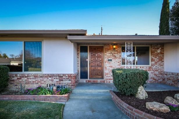 4270 Warren Avenue, Sacramento, CA - USA (photo 4)