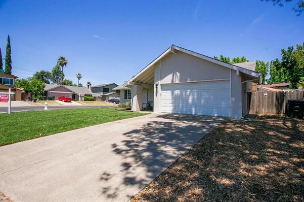 5830 Primrose Drive, Citrus Heights, CA - USA (photo 4)