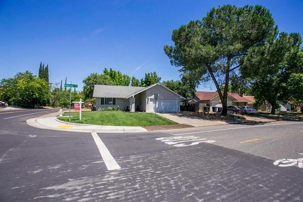 5830 Primrose Drive, Citrus Heights, CA - USA (photo 5)