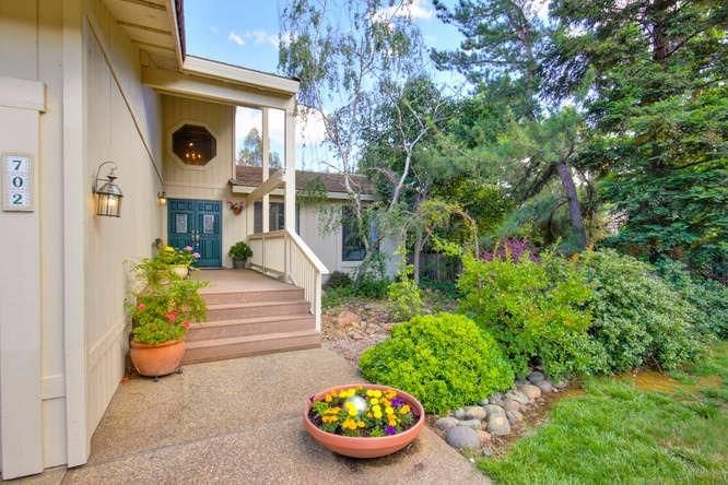 702 Sterling Court, El Dorado Hills, CA - USA (photo 2)