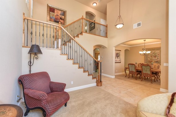 7106 Innes Court, Elk Grove, CA - USA (photo 5)