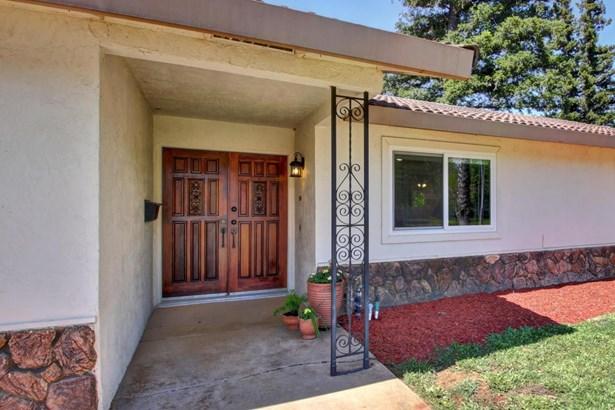 8763 Kilkenny Court, Elk Grove, CA - USA (photo 2)