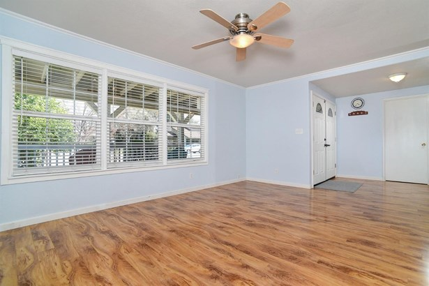 6045 Merlindale Drive, Citrus Heights, CA - USA (photo 4)