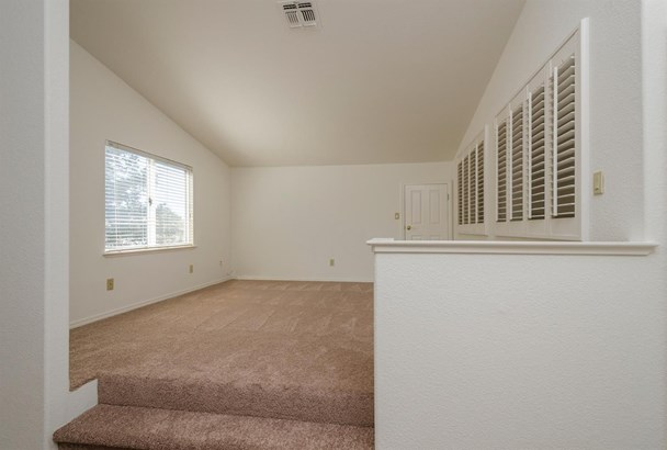 8830 Yarmouth Court, Elk Grove, CA - USA (photo 5)