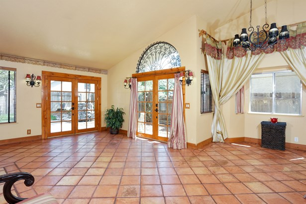 648 Copper Way, Roseville, CA - USA (photo 2)