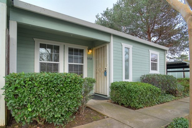 5709 Ivytown Lane, Carmichael, CA - USA (photo 2)
