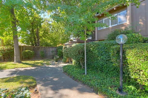 2254 Woodside Lane 6, Sacramento, CA - USA (photo 2)