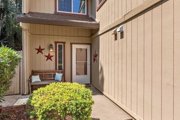 2648 Driftwood Court, West Sacramento, CA - USA (photo 2)