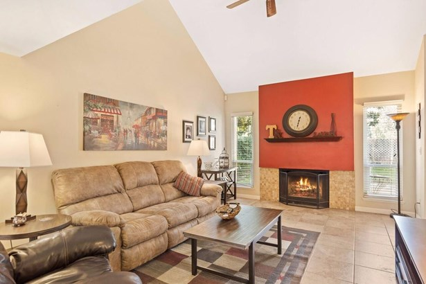 2648 Driftwood Court, West Sacramento, CA - USA (photo 5)