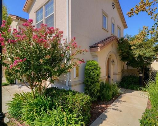 3301 North Park Drive 1812, Sacramento, CA - USA (photo 2)