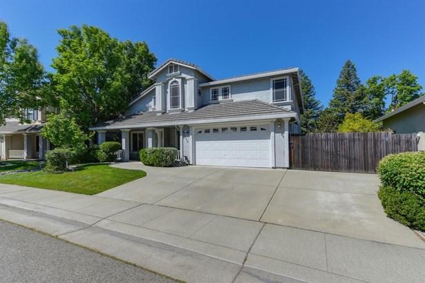 8819 Shasta Lily Drive, Elk Grove, CA - USA (photo 3)