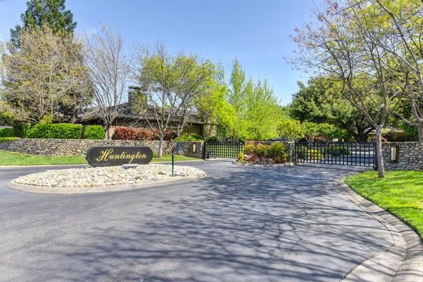 11395 Huntington Village Lane, Gold River, CA - USA (photo 1)