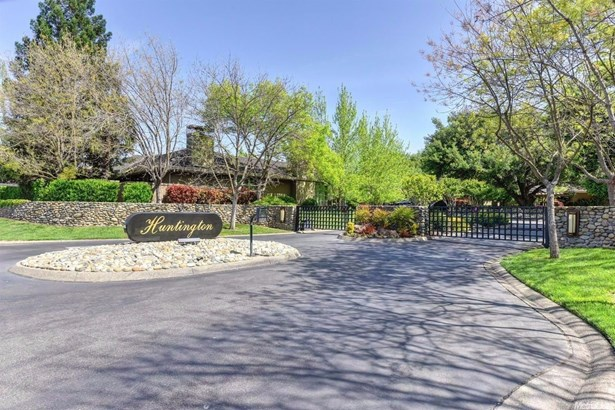 11395 Huntington Village Lane, Gold River, CA - USA (photo 2)