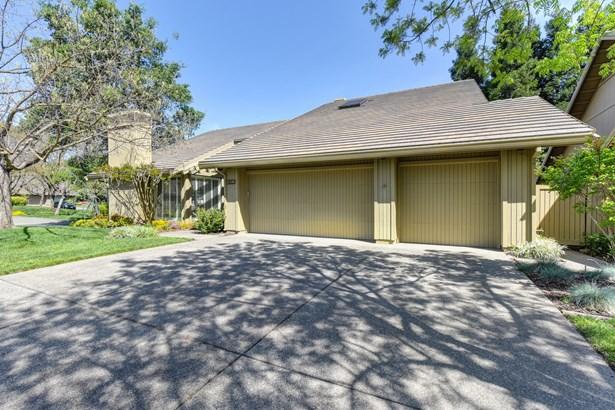 11395 Huntington Village Lane, Gold River, CA - USA (photo 3)