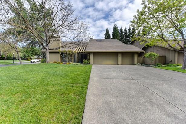 11395 Huntington Village Lane, Gold River, CA - USA (photo 4)