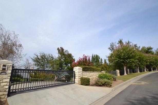 3726 W Buena Vista Avenue, Fresno, CA - USA (photo 3)