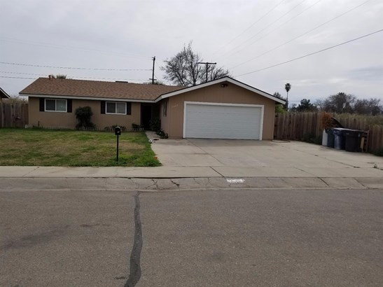 2409 W Sonora Avenue, Tulare, CA - USA (photo 1)