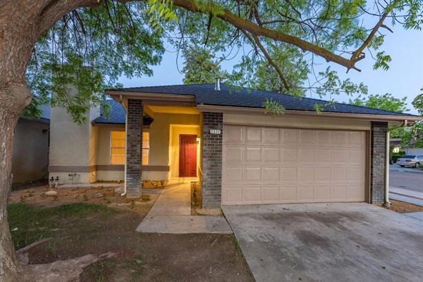 2577 N Selland Avenue, Fresno, CA - USA (photo 1)