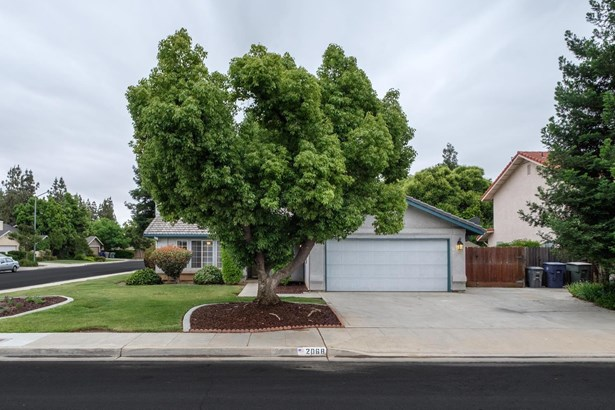 2068 Paul Avenue, Clovis, CA - USA (photo 1)