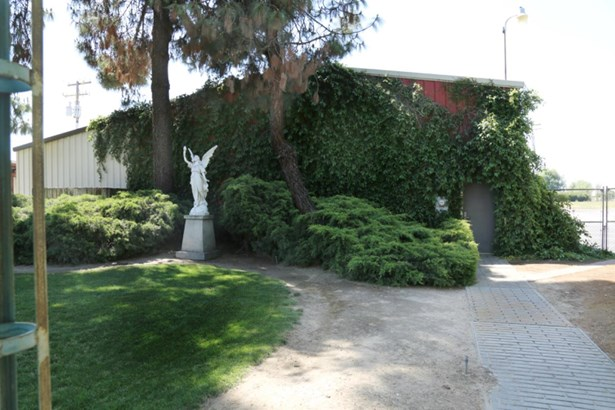 23205 Clayton Avenue, Reedley, CA - USA (photo 2)