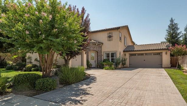 2301 E Michelle Avenue, Fowler, CA - USA (photo 1)