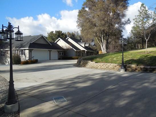 49905 Meadowview Drive, Oakhurst, CA - USA (photo 1)