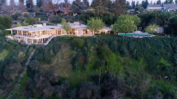 3790 W Buena Vista Avenue, Fresno, CA - USA (photo 3)