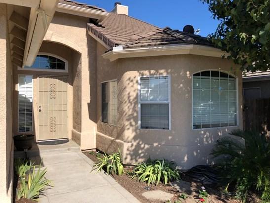3713 Baron Avenue, Clovis, CA - USA (photo 2)