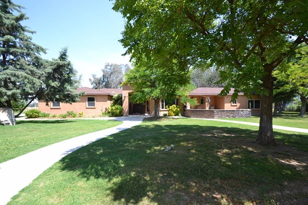 8040 E Nees Avenue, Clovis, CA - USA (photo 1)