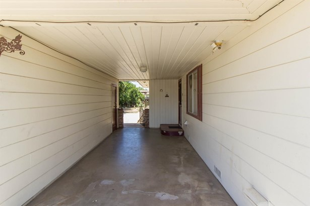 457 N Perry Avenue, Dinuba, CA - USA (photo 2)