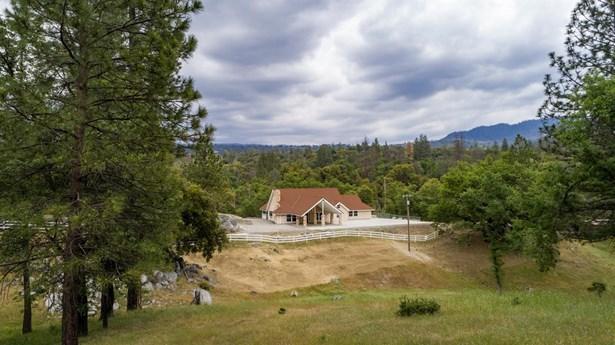 37828 China Creek Road, Oakhurst, CA - USA (photo 1)