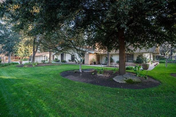 2393 W Barstow Avenue, Fresno, CA - USA (photo 1)