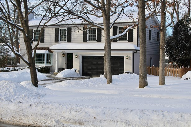 Colonial, 2 Stories - LAKE FOREST, IL (photo 2)