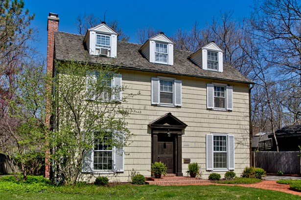 3 Stories, Colonial - LAKE FOREST, IL