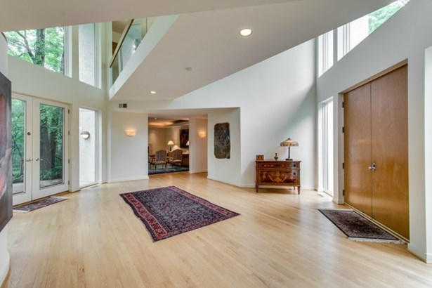2 Stories, Contemporary - LAKE FOREST, IL (photo 2)